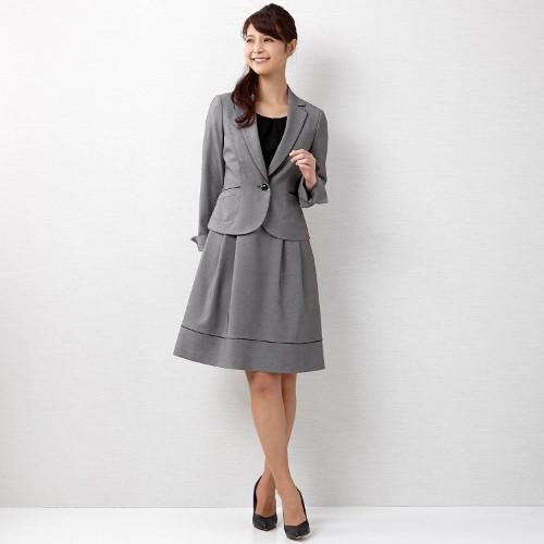 グレーのスーツを着こなそう☆おすすめ商品とコーデを紹介!のサムネイル画像