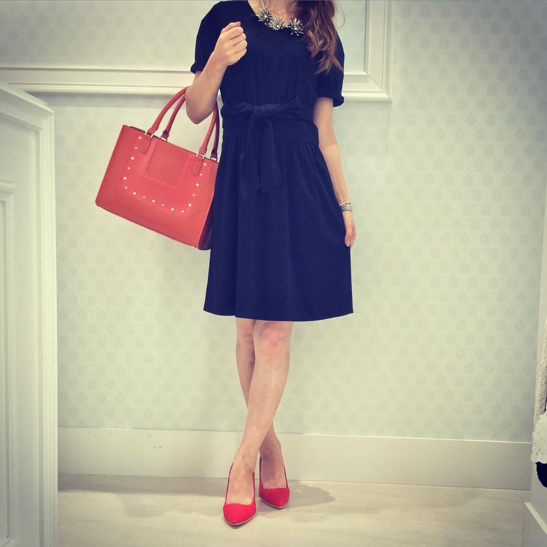 フォーマルな服装とは?大人の女性なら知っておきたいドレスコードのサムネイル画像