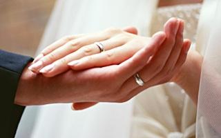 結婚式の指輪選びに♡人気のショップブランド16選【マリッジリング】のサムネイル画像