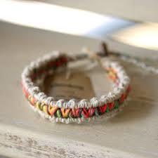 ヘンプ編みのアンクレットで夏の足元をおしゃれに飾ってみて!のサムネイル画像