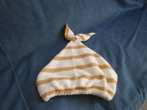 プールの季節に大活躍!タオルを使って簡単☆タオルキャップの作り方のサムネイル画像
