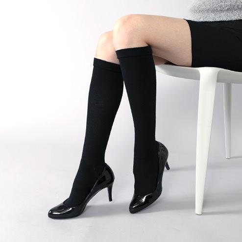 【意外とありかも!!】スーツスタイルでの靴下のおしゃれ☆のサムネイル画像