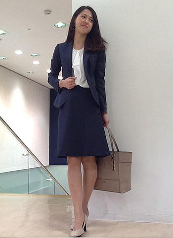 ネイビーのスーツでおしゃれをしたい☆おすすめ商品&コーデを紹介!のサムネイル画像