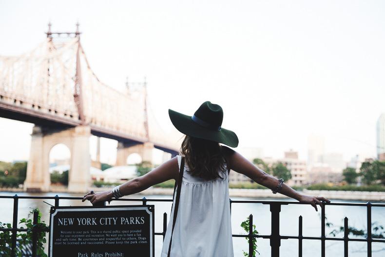 【フェルトの帽子】今年の夏のおしゃれの定番はフェルトハット♡のサムネイル画像