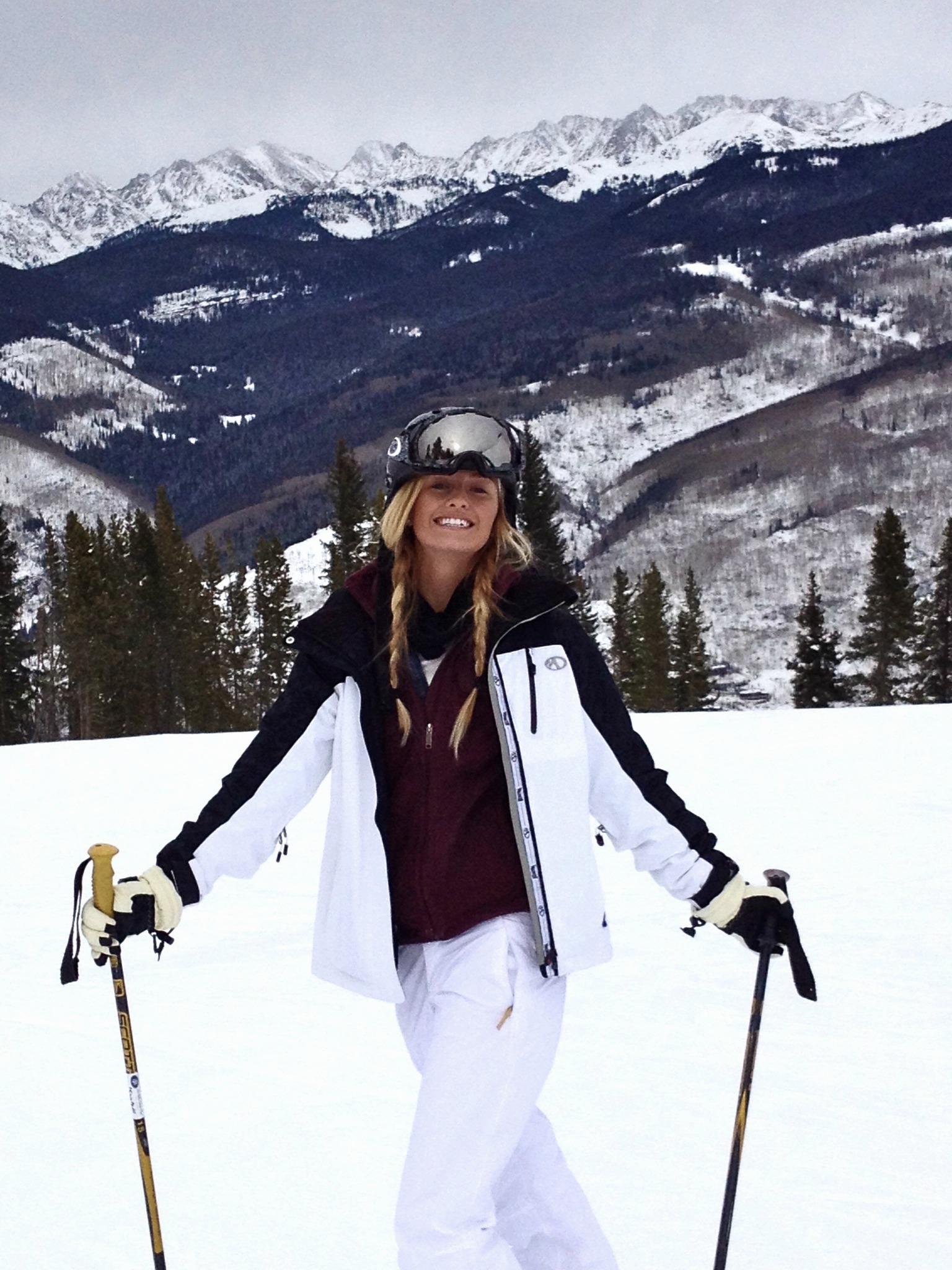 【レディーススキーウェア】海外セレブから学スキーコーデ♡のサムネイル画像