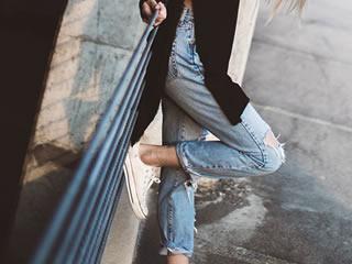 これで失敗しない!正しい洗濯方法でジーンズを守りましょう。のサムネイル画像
