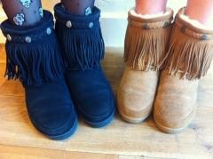 ミネトンカのムートンブーツでオシャレで温かい足元にしようのサムネイル画像