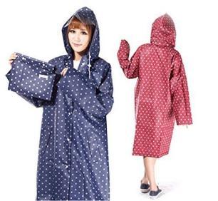 雨の日もおしゃれを☆アウトドアでも活躍するレインコートを紹介!のサムネイル画像