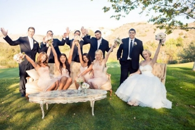 結婚披露宴の服装はどっちが好み?【ワンピースVSパンツドレス】のサムネイル画像