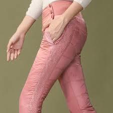 軽量・美脚ダウンパンツでスッキリ細見えレディースのできあがり!のサムネイル画像