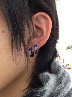 【左耳のピアスには意味がある!】男女別ピアスの位置&個数♪のサムネイル画像