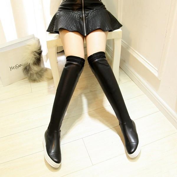 素敵な女性は足元から♪本革のレディースロングブーツで決める!のサムネイル画像