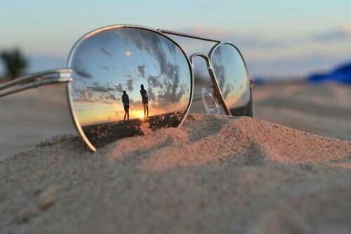 【かっこいいの秘訣は黒サングラスだった】おすすめサングラス4選!のサムネイル画像