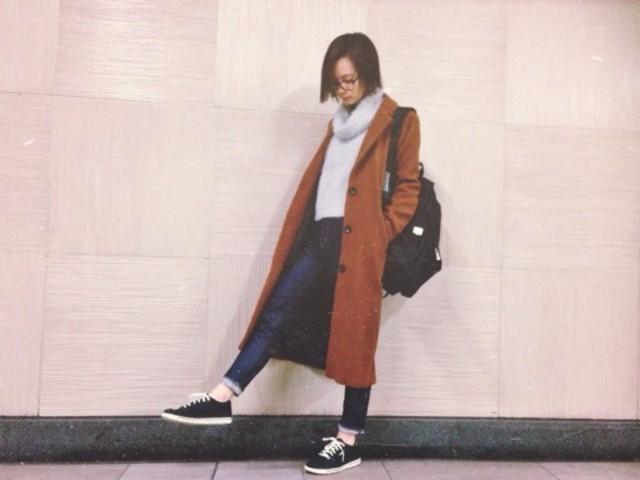 レディースのセーター生地のタートルネックは女の子らしくて◎のサムネイル画像