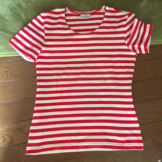 【赤×ボーダー】のTシャツ☆おしゃれなコーデをご紹介します☆のサムネイル画像