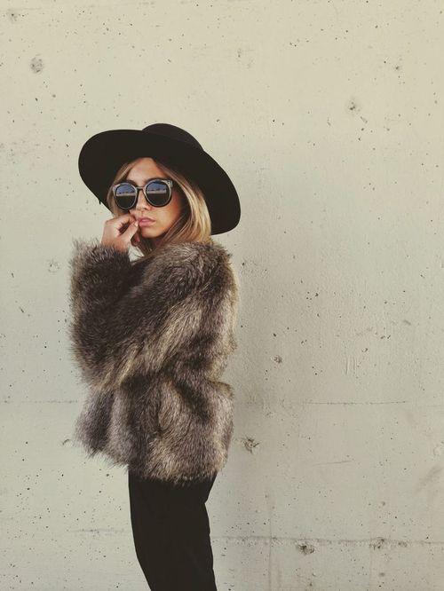 【レディース毛皮コート】冬はファーコートで出掛けようっ♡のサムネイル画像