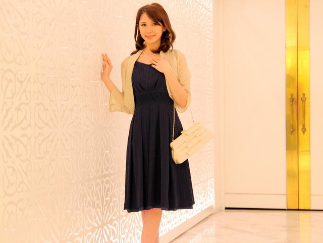 結婚式のドレスで迷ってるなら…ゼッタイ♡ネイビーがいい♡のサムネイル画像