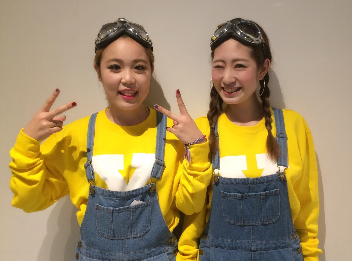 女友達と楽しむユニバ!参考にしたい季節別双子コーデをご紹介!のサムネイル画像
