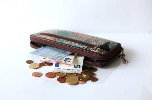 【おすすめ】長財布の相方に!一緒に持ちたい大人可愛い小銭入れのサムネイル画像