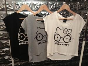 大人だって着たい、オトナかわいいキャラクターtシャツコーデのサムネイル画像