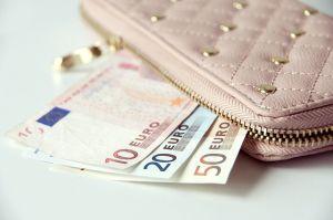 デイリー使いにピッタリ!30代女性におすすめのお財布17選のサムネイル画像