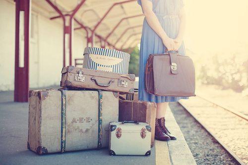 スーツケースは旅のパートナー!女性におすすめブランド徹底分析のサムネイル画像