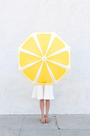 ジメジメするイヤな季節を、可愛い折り畳み傘で乗り切ろう!のサムネイル画像
