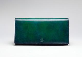 緑の長財布はラッキーアイテム!ベジタリアンカラーが幸運を呼びますのサムネイル画像
