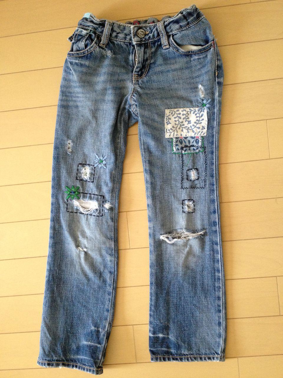 破れたジーンズを修理したい!ジーンズの修理方法と修理グッズを紹介のサムネイル画像