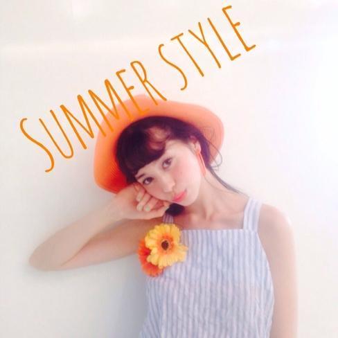 オレンジをまとって!夏は笑顔の似合う常夏コーデに決まり。のサムネイル画像
