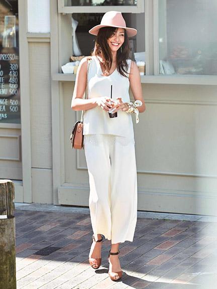 夏は白で爽やかに!楽ちん可愛いガウチョパンツで大人可愛く決めようのサムネイル画像