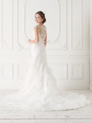 マーメイドドレスに似合う髪型を、画像付きでご紹介